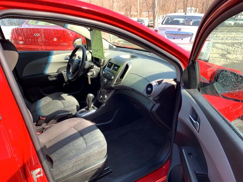 2013 Chevrolet Sonic LT Auto Sedan