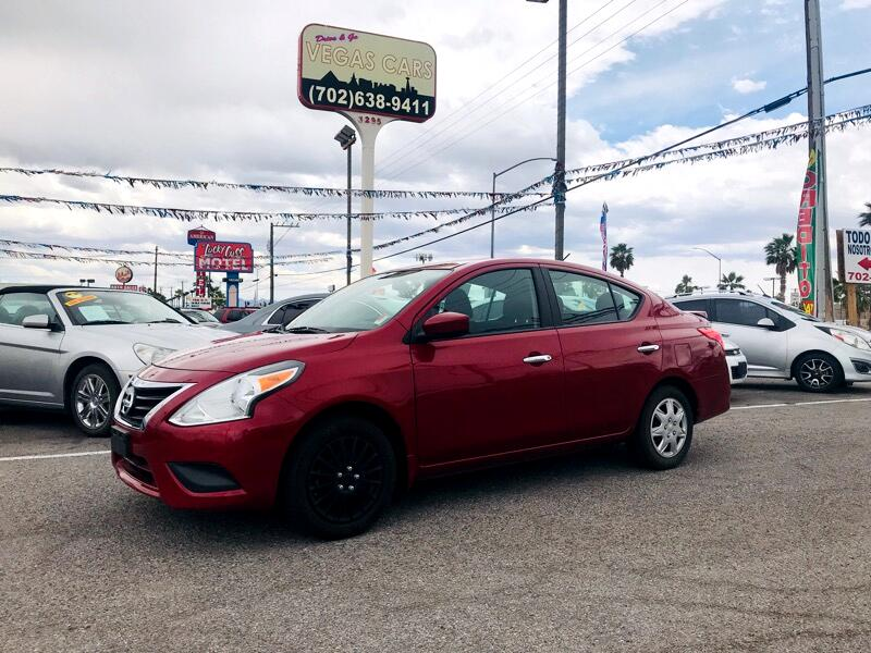 Nissan Versa 1.6 S 5M 2015