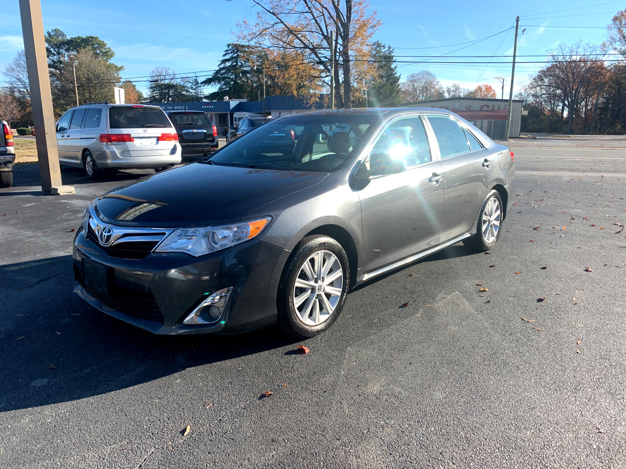 Toyota Camry XLE 6-Spd AT 2012