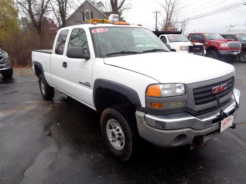 "2005 GMC Sierra 2500HD Ext Cab 143.5"" WB 4WD Work Truck"