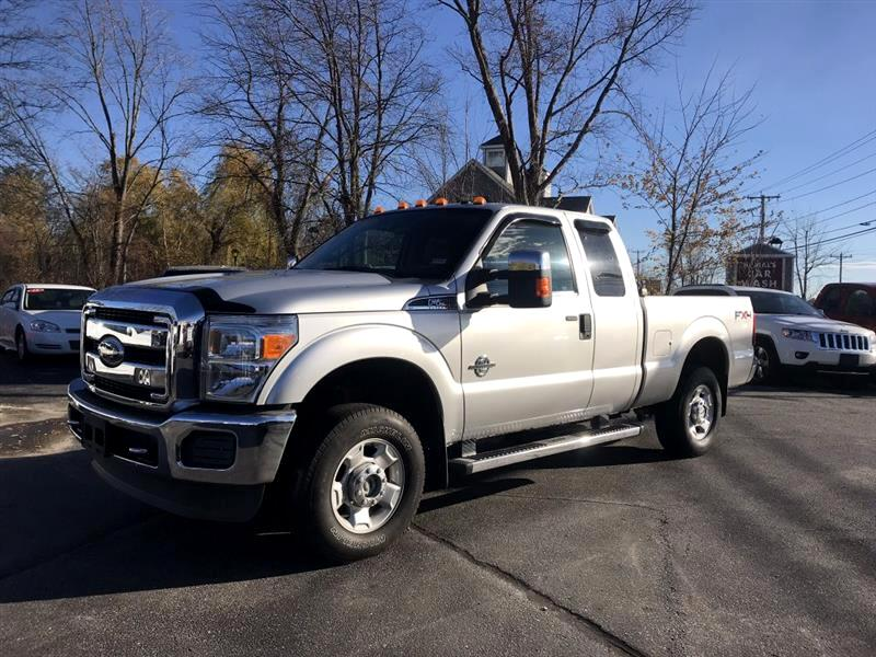"2011 Ford Super Duty F-250 SRW 4WD SuperCab 142"" XLT"