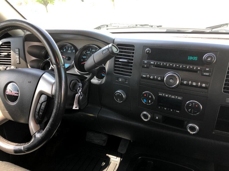 GMC Sierra 1500 SLE Crew Cab 4WD 2011