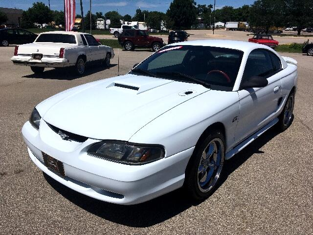1995 Ford Mustang GTS Coupe