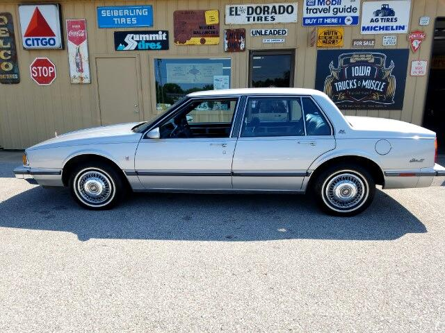 1988 Oldsmobile Delta 88 Royale Brougham sedan