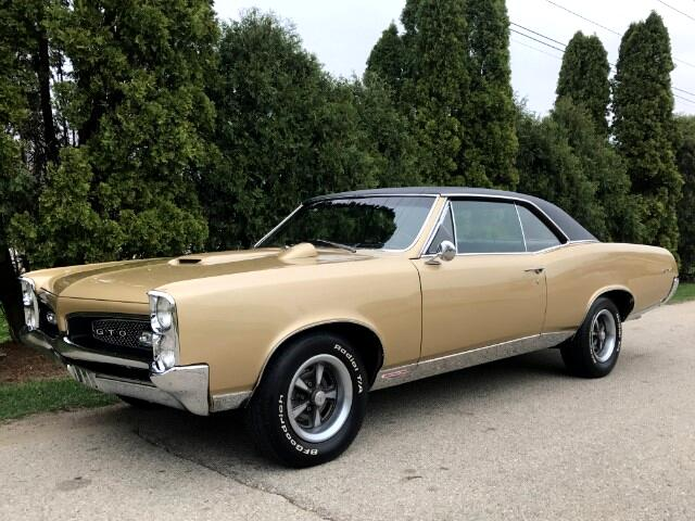 1967 Pontiac '67 GTO SIGNET GOLD  BLACK TOP