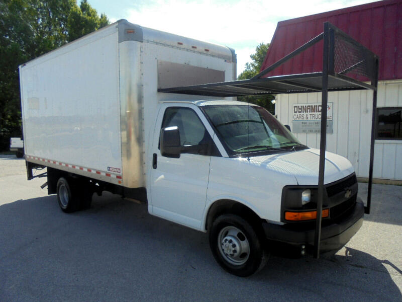 2016 Chevrolet Express G3500 Box truck