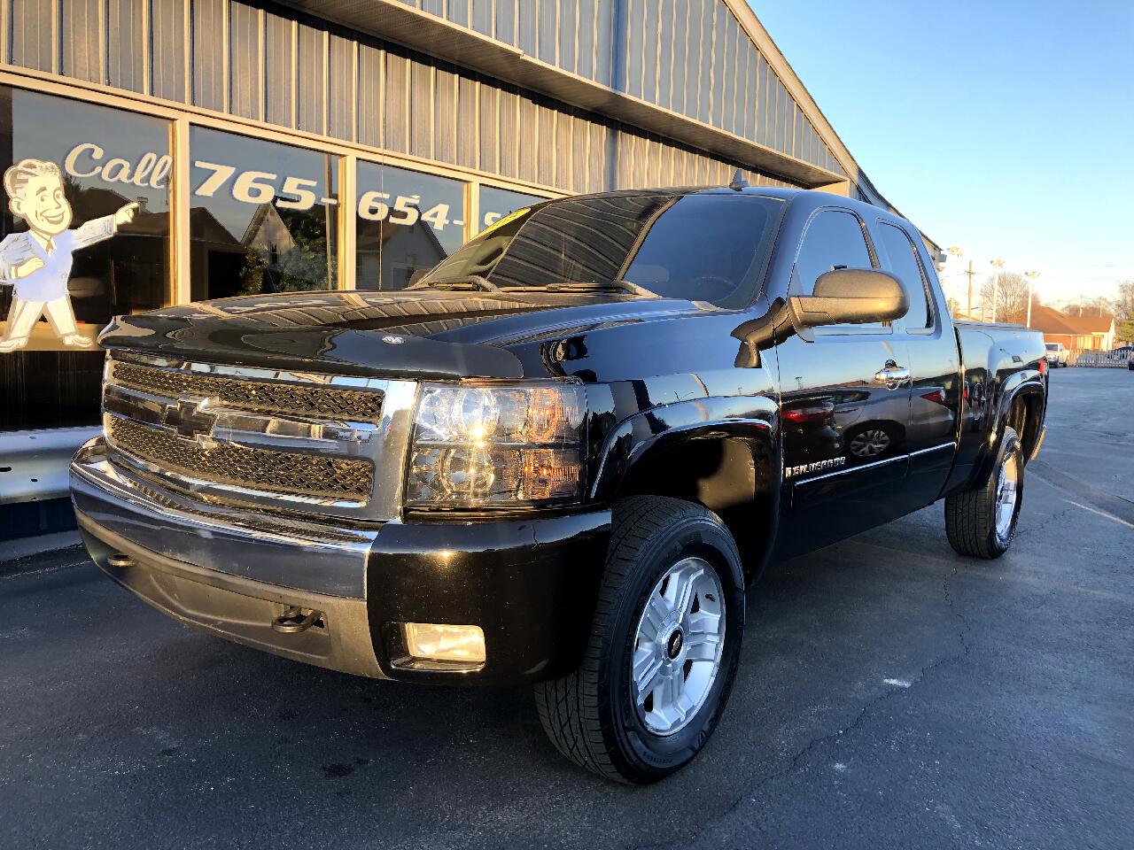 "2008 Chevrolet Silverado 1500 4WD Ext Cab 134.0"" LT w/1LT"