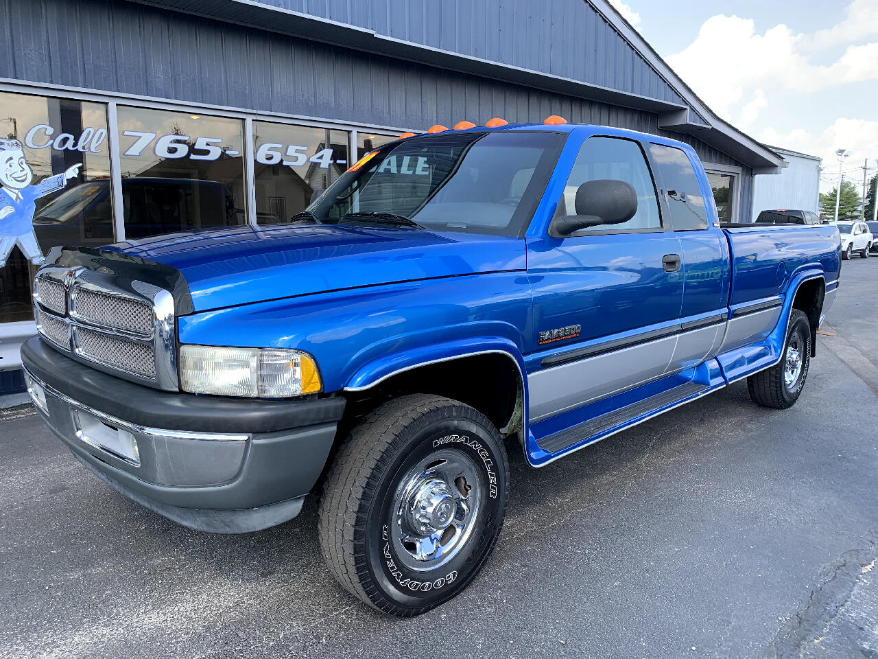 "1999 Dodge Ram 2500 4WD Quad Cab 160.5"" SLT"