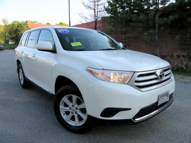 2013 Toyota Highlander V6 4WD with Third Row Seat