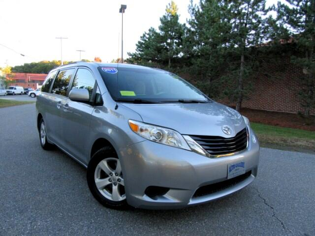 2011 Toyota Sienna 5dr 8-Pass Van V6 LE FWD (Natl)