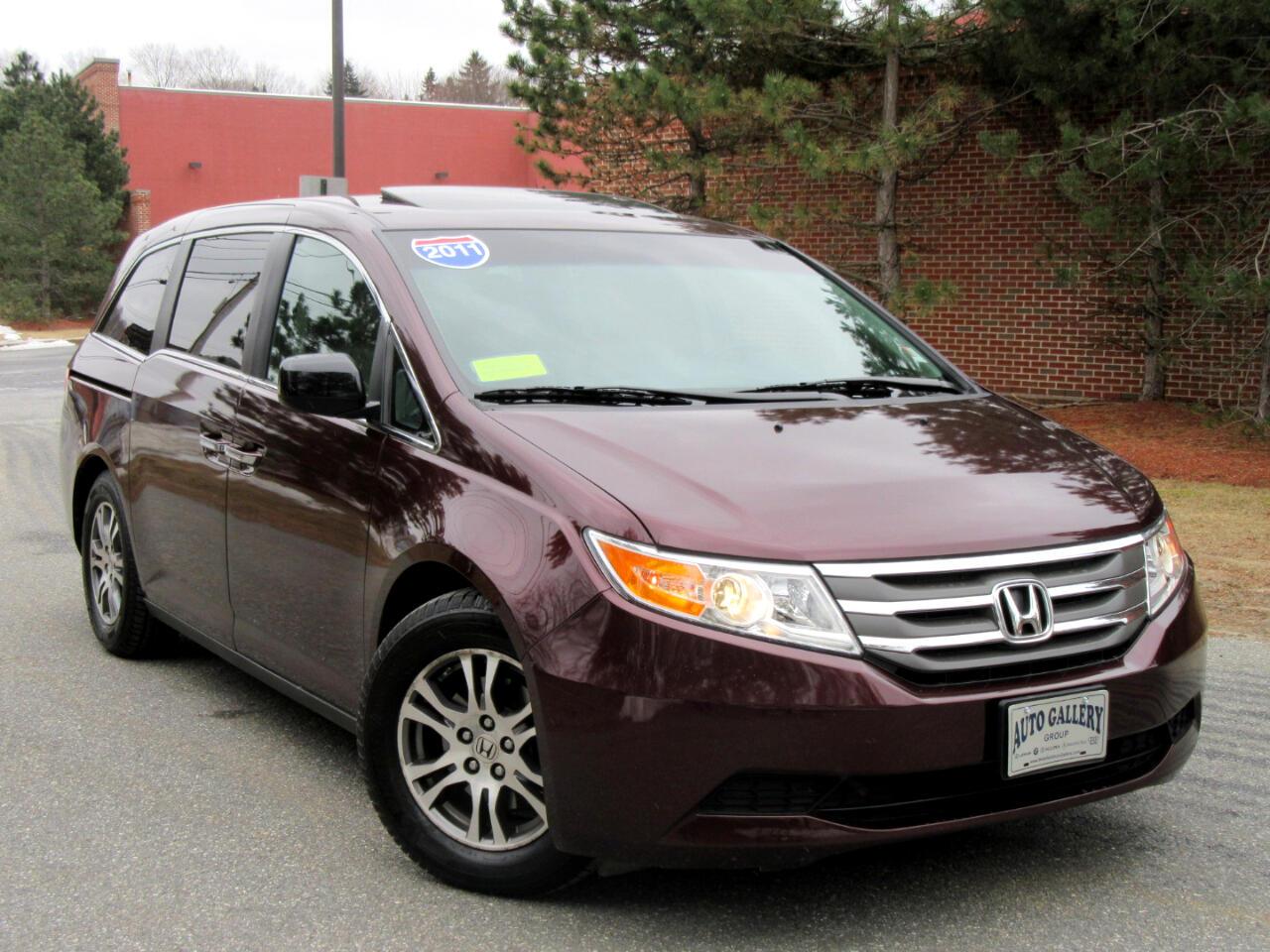 2011 Honda Odyssey 5 dr EX-L w/Navigation Backup Camera 8 Seating