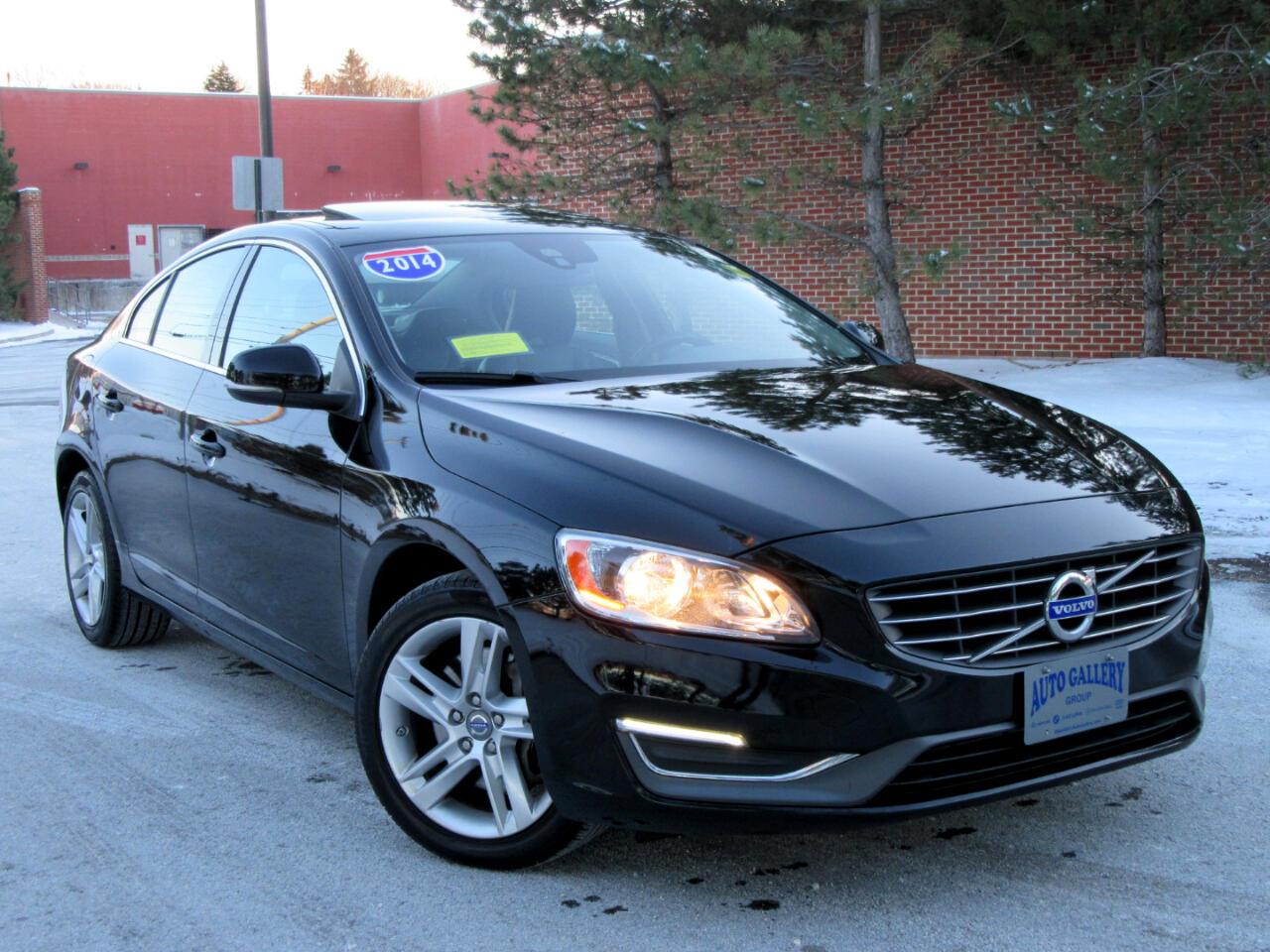 2014 Volvo S60 4 dr Sdn T5 AWD Navigation Backup Camera  Leather