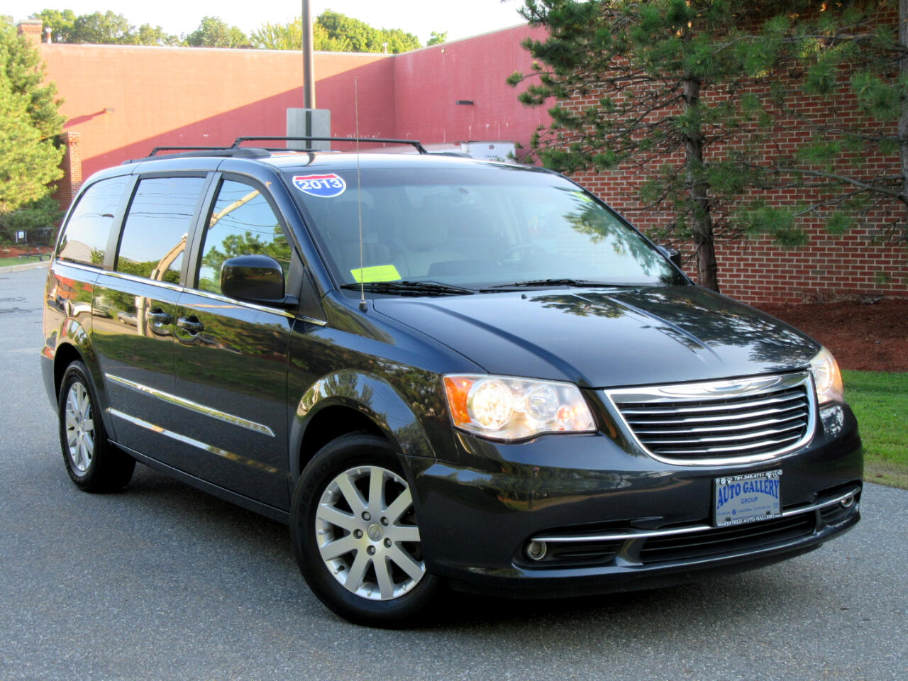 2013 Chrysler Town & Country 4dr Wgn Touring Navigation DVD Entertainment