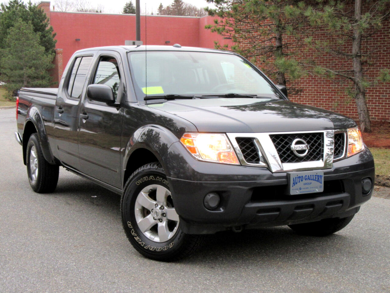 Nissan Frontier 4WD Crew Cab LWB Auto SV 2012