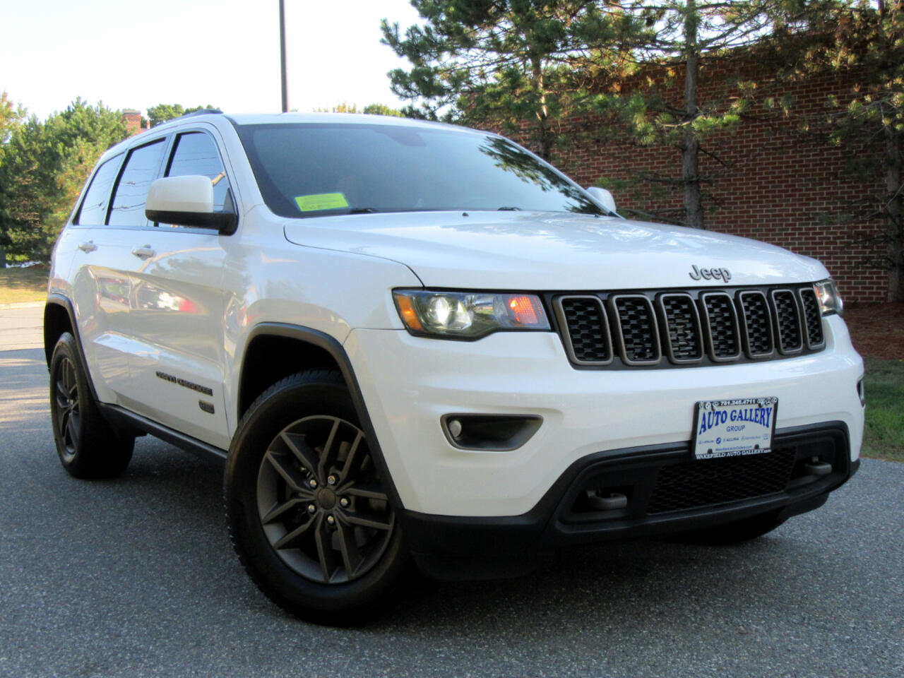 Jeep Grand Cherokee 4WD 4dr 75th Anniversary 2016