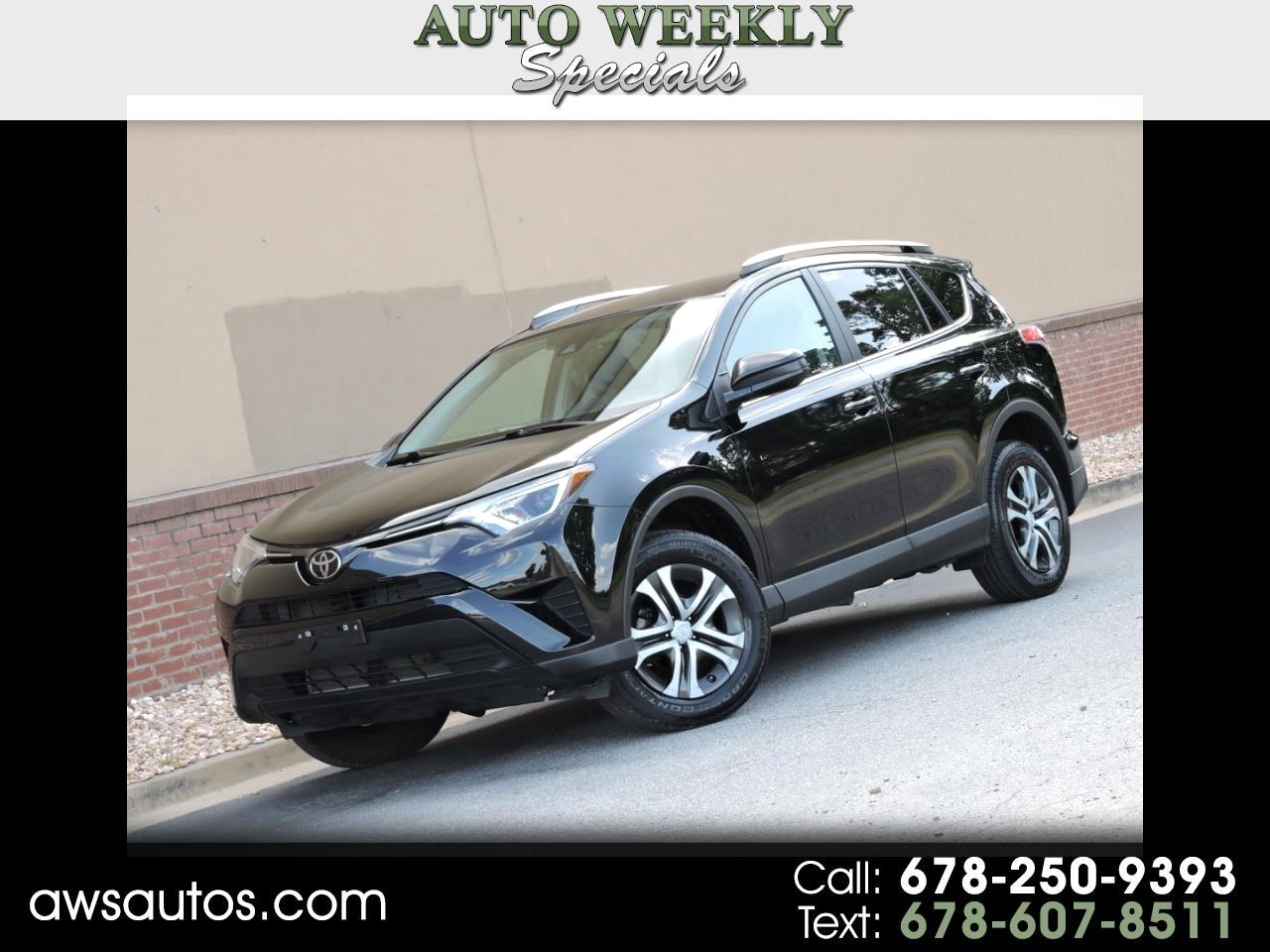 Toyota RAV4 LE AWD (Natl) 2017