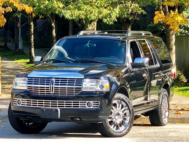 2007 Lincoln Navigator 4WD Luxury  7 Passengers