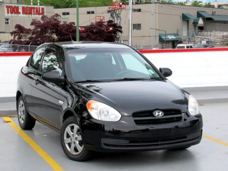 2009 Hyundai Accent SE 3-Door