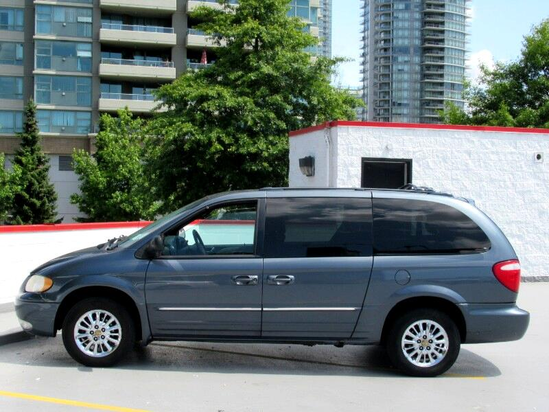 2002 Chrysler Town & Country Limited