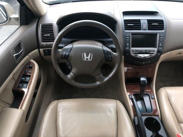2006 Honda Accord Hybrid V6 5-Speed AT with Navigation System