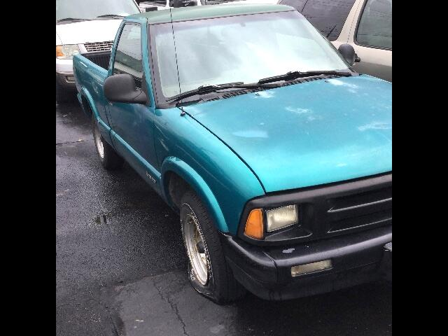1996 Chevrolet S10 Pickup Reg. Cab Short Bed 2WD