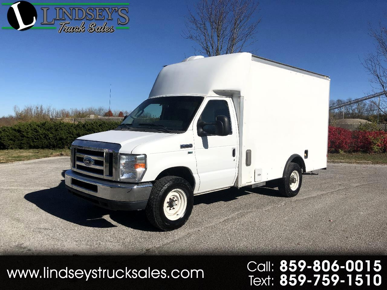 Ford Econoline E-350 Super Duty 2012