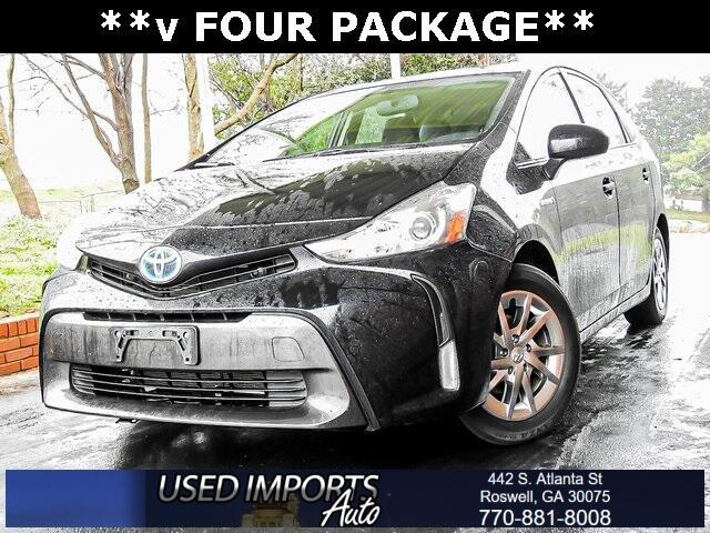 Toyota Prius V Three (Natl) 2017