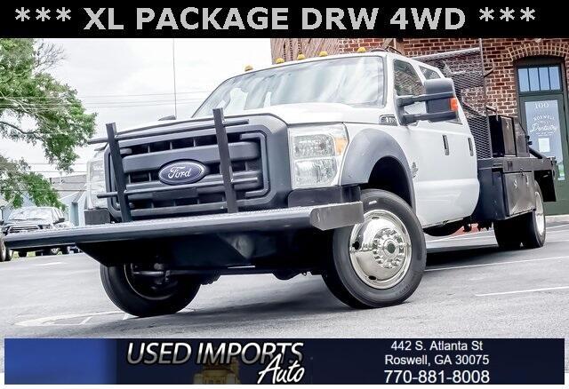 """Ford Super Duty F-450 DRW 4WD Crew Cab 200"""" WB 84"""" CA XL 2015"""