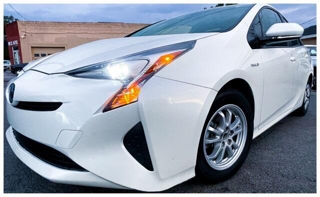 Toyota Prius Three Touring (Natl) 2017