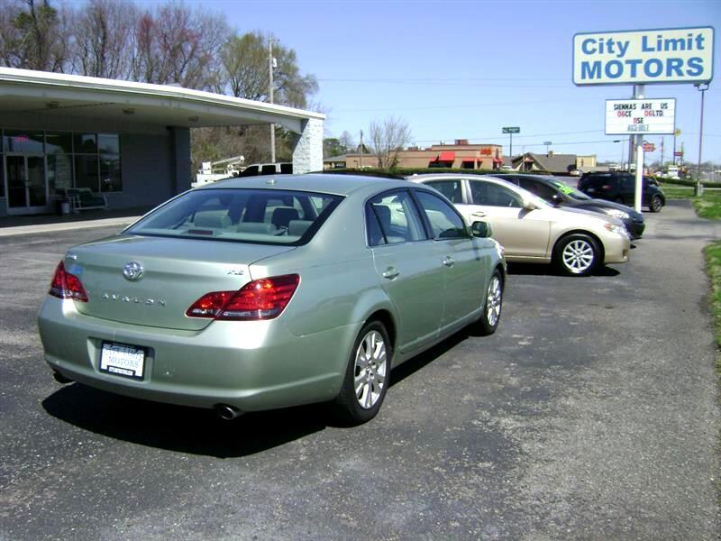 Toyota Avalon  2009