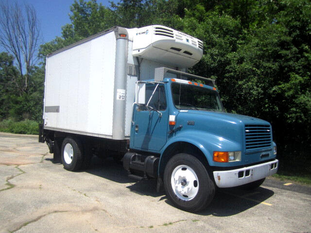 2002 International 4700 14 FT REFRIGERATED BOX TRUCK