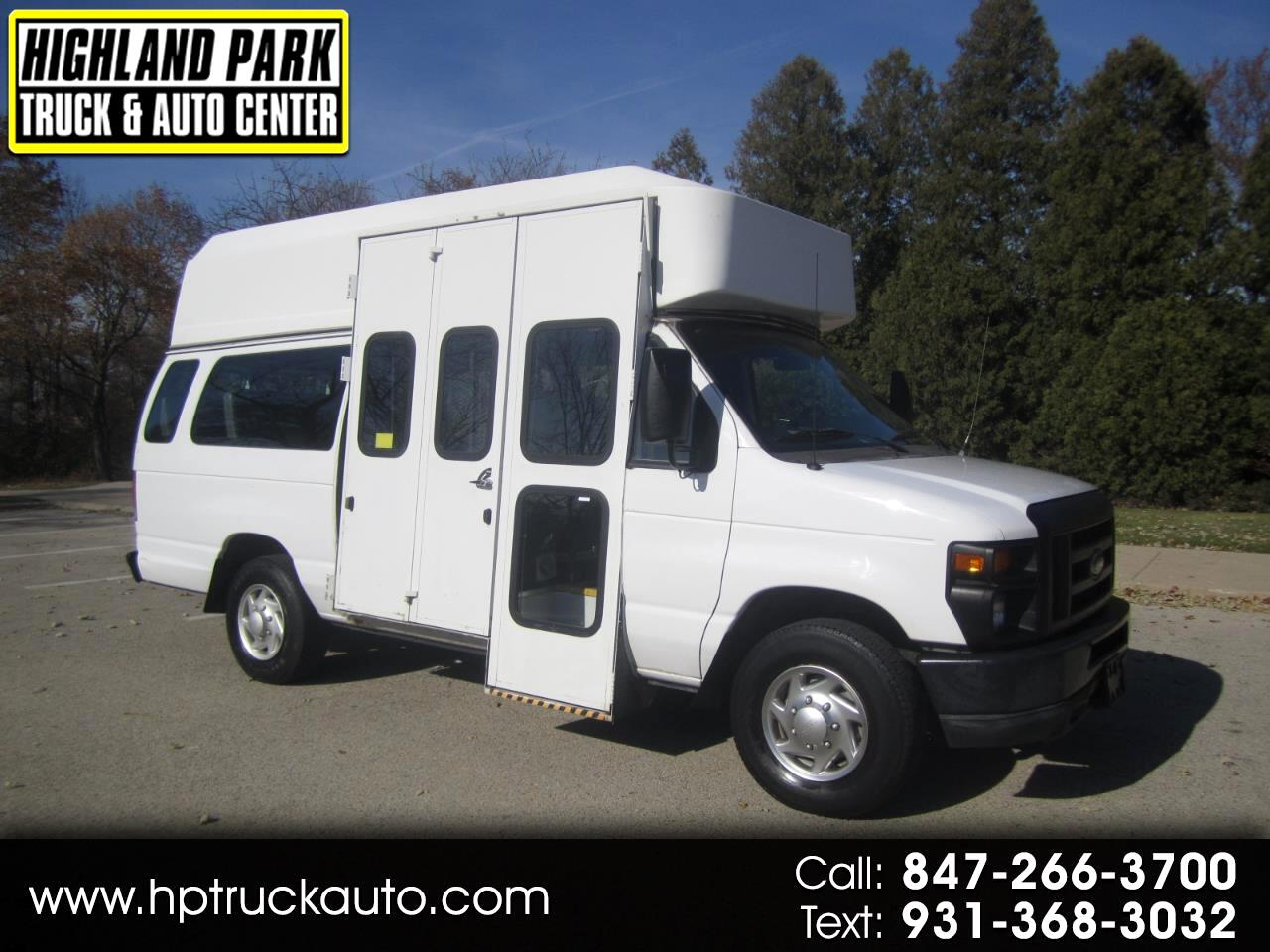 Ford Econoline E-350 Super Duty Extended 2010