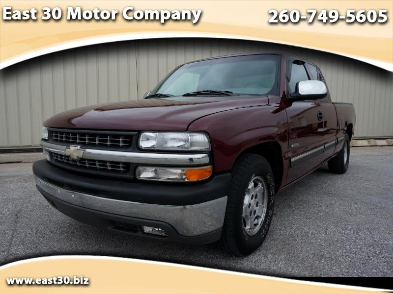 2000 Chevrolet Silverado 1500 LT Ext. Cab 4-Door Short Bed 2WD