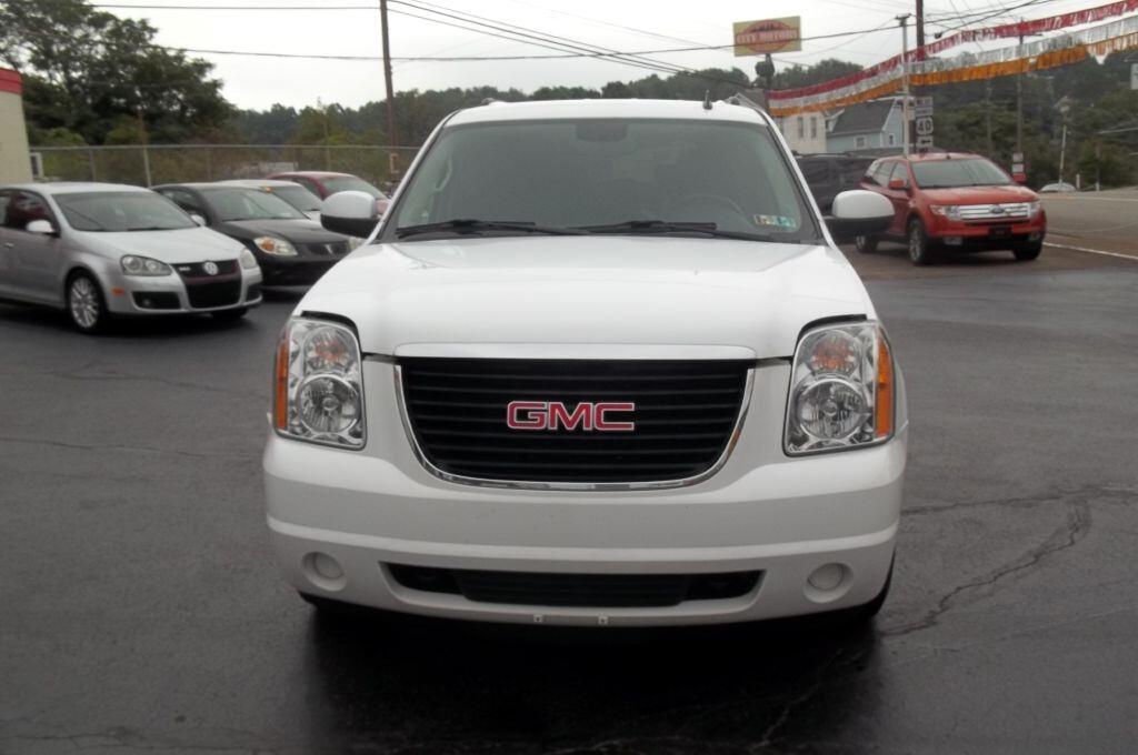 2010 GMC Yukon XL SLE-1 1/2 Ton 4WD