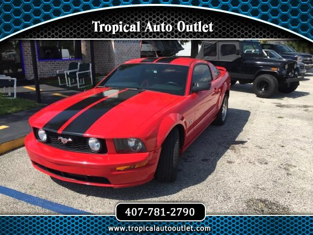 2005 Ford Mustang GT Premium Coupe