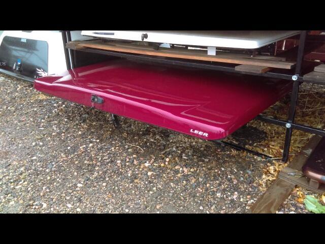 1 Chevrolet SILVERADO 1999-2007 6.5' Bed LEER 700 Tonneau Cover