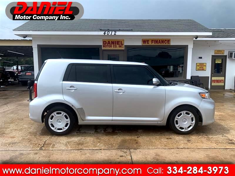 Scion xB 5-Door Wagon 5-Spd MT 2011