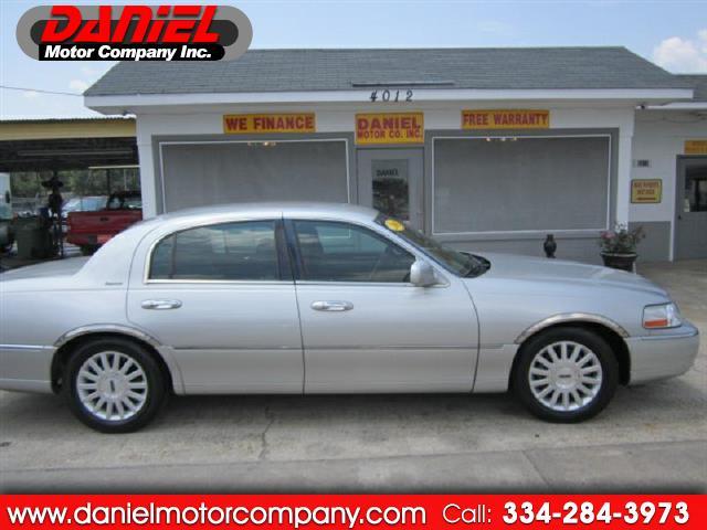 2003 Lincoln Town Car Signature - Premium