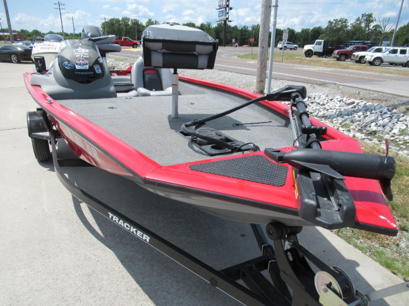 2016 Tracker Bass Pro Team 175 TXW