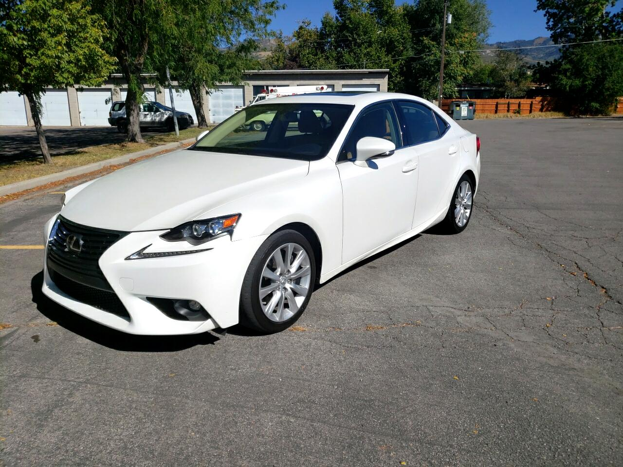 2016 Lexus IS 300 4dr Sdn