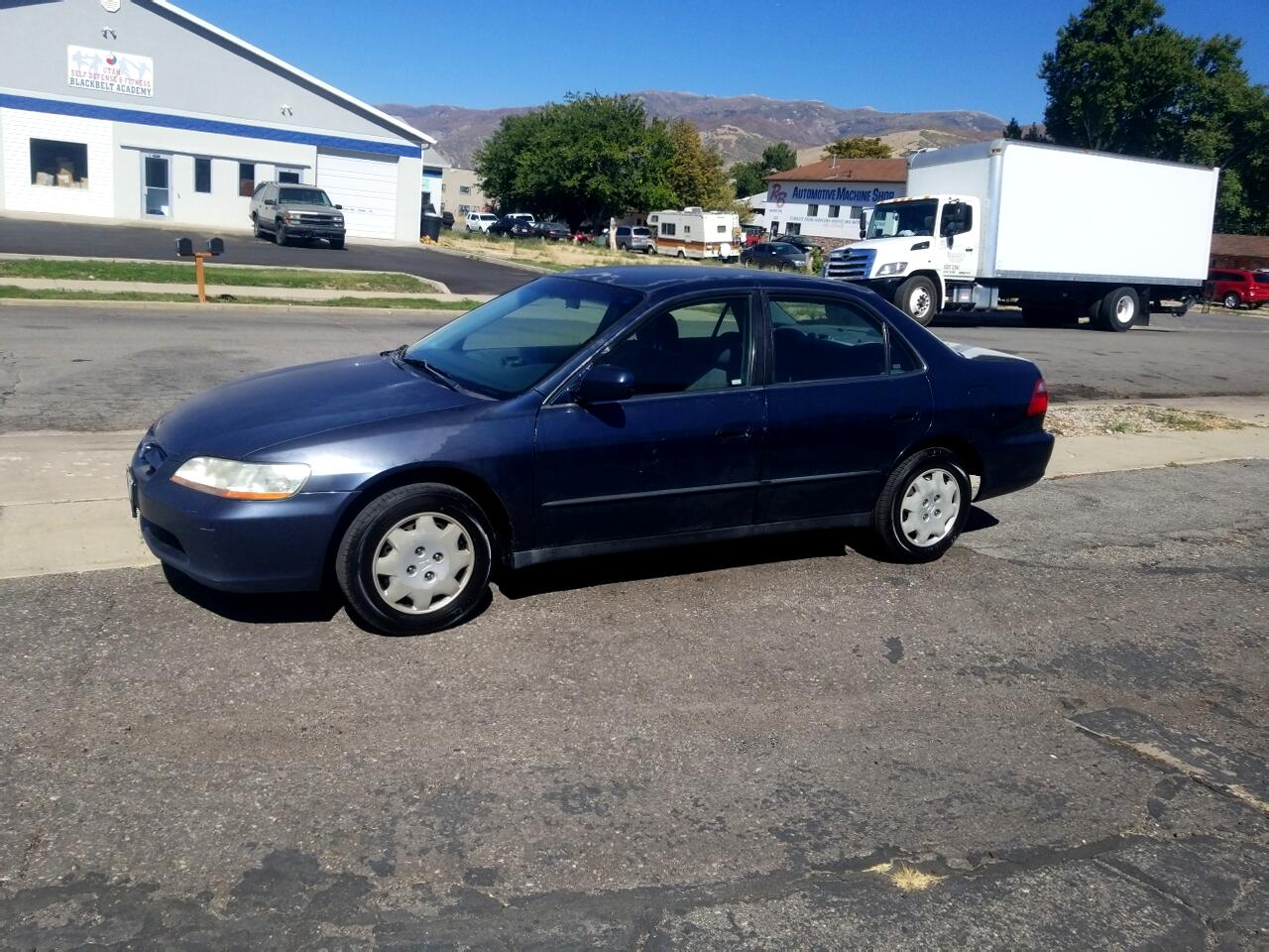 2000 Honda Accord Sdn 4dr Sdn LX Auto