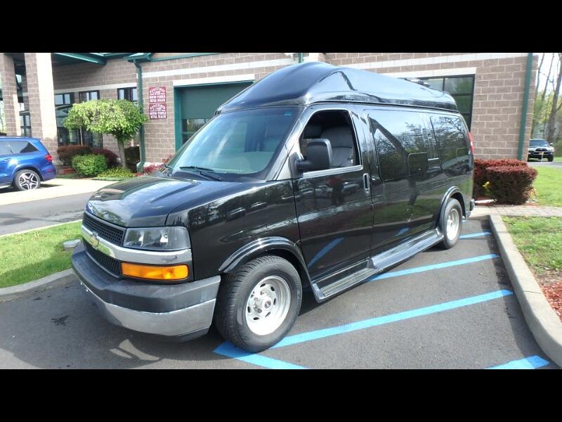 "2005 Chevrolet Express Cargo Van 1500 135"" WB AWD YF7 Upfitter"