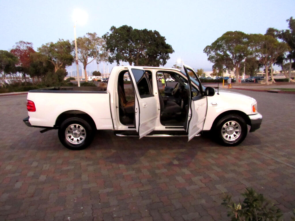 2003 Ford F-150 XLT SuperCrew 2WD