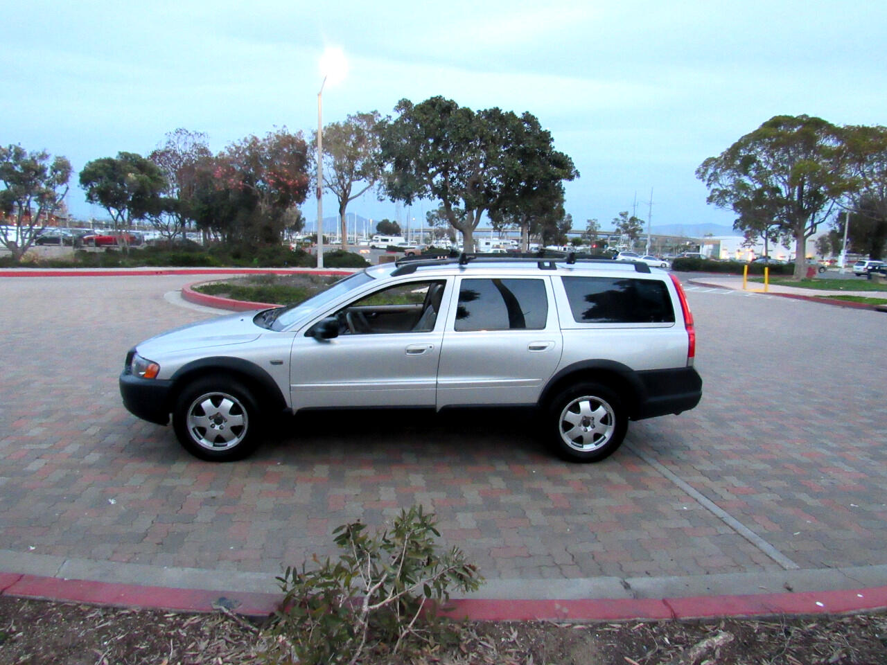 2003 Volvo XC70 Cross Country
