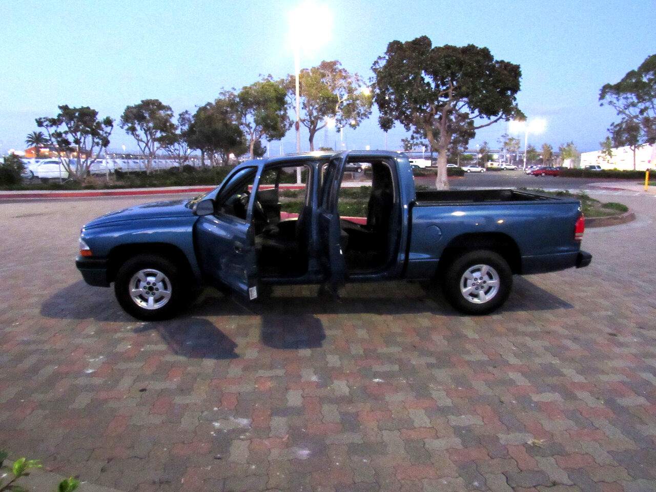 Dodge Dakota Sport Quad Cab 2WD 2002