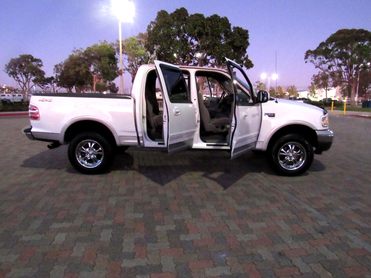2002 Ford F-150 XLT SuperCrew Short Bed 4WD