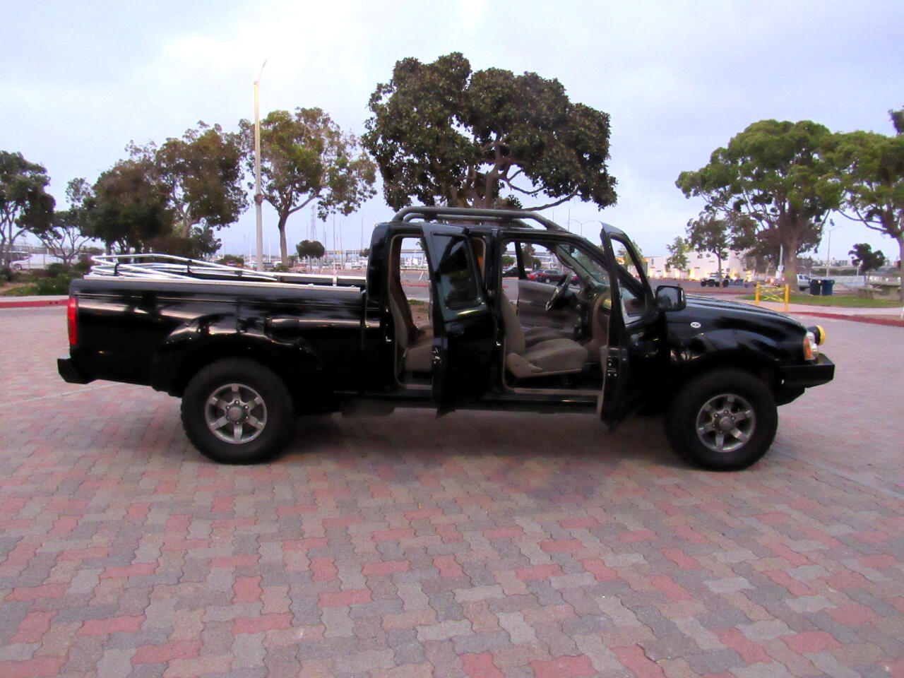 Nissan Frontier XE-V6 Crew Cab Long Bed 2WD 2003