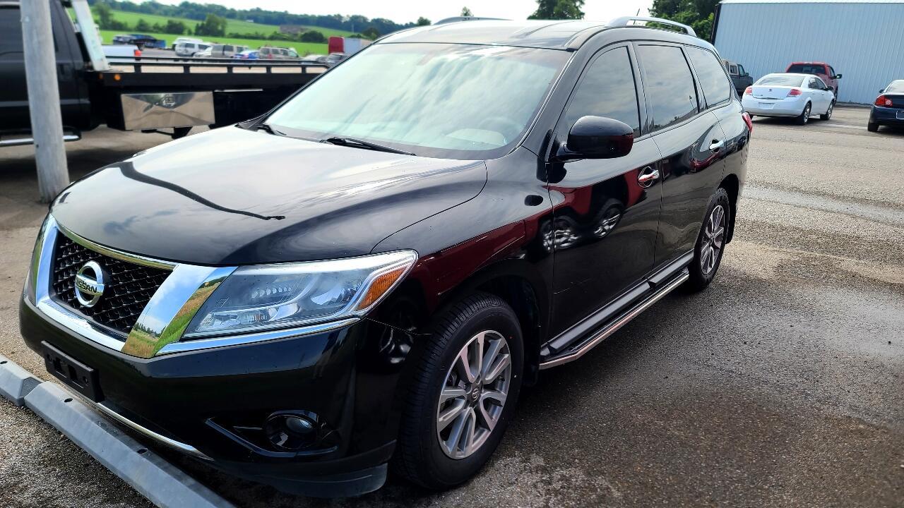 Nissan Pathfinder LE 2WD 2013