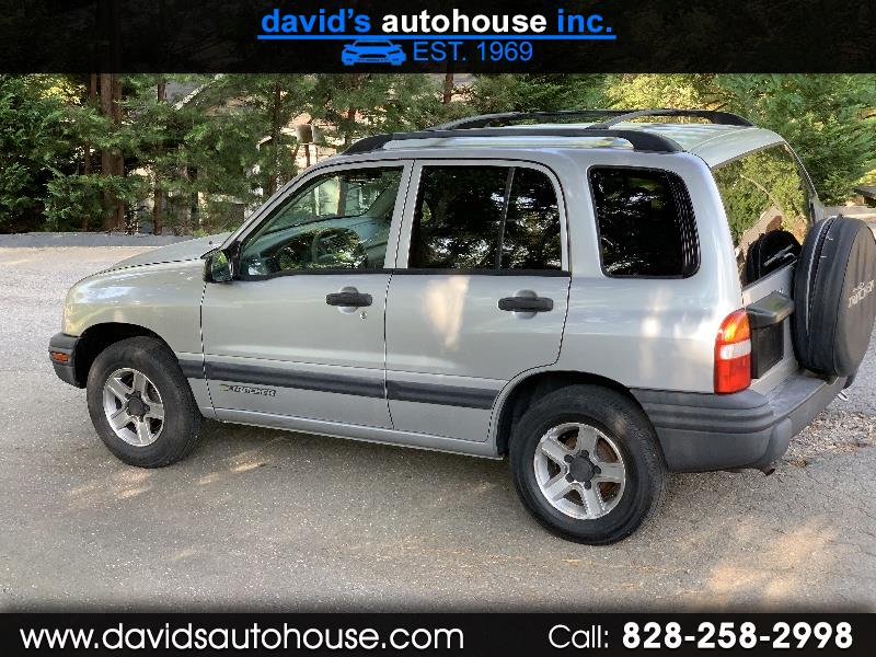 2003 Chevrolet Tracker 4-Door 4WD