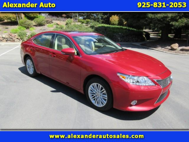 2013 Lexus ES 350 Sedan With Navigation